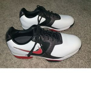 Nike Air Academy Golf Shoes Red White Black NWOB